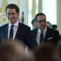 """L'Austria apre i suoi consolati ai sudtirolesi: """"Assistenza all'estero anche se c'è la..."""