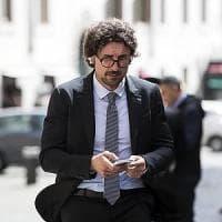 """M5S, Toninelli: """"Mai con Berlusconi. Spero in un patto con il Pd"""". Salvini: """"Vediamo se..."""