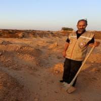 Chamseddine, il pescatore che raccoglie migranti in mare