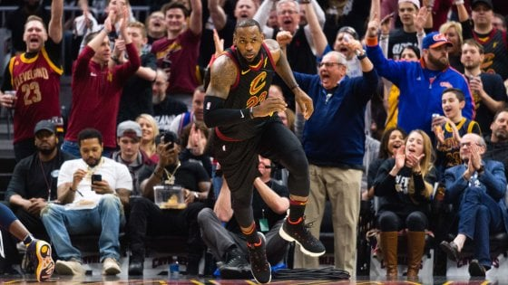Basket, playoff Nba: LeBron rialza Cleveland, Houston si divora Minnesota