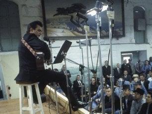 """Johnny Cash, 50 anni fa il suo live 'fuorilegge': """"Gli uni accanto agli altri: io e i ribelli"""""""