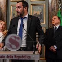 """Di Maio: """"Ok al sostegno di Forza Italia, ma governo solo con la Lega"""". Salvini: """"Intesa..."""