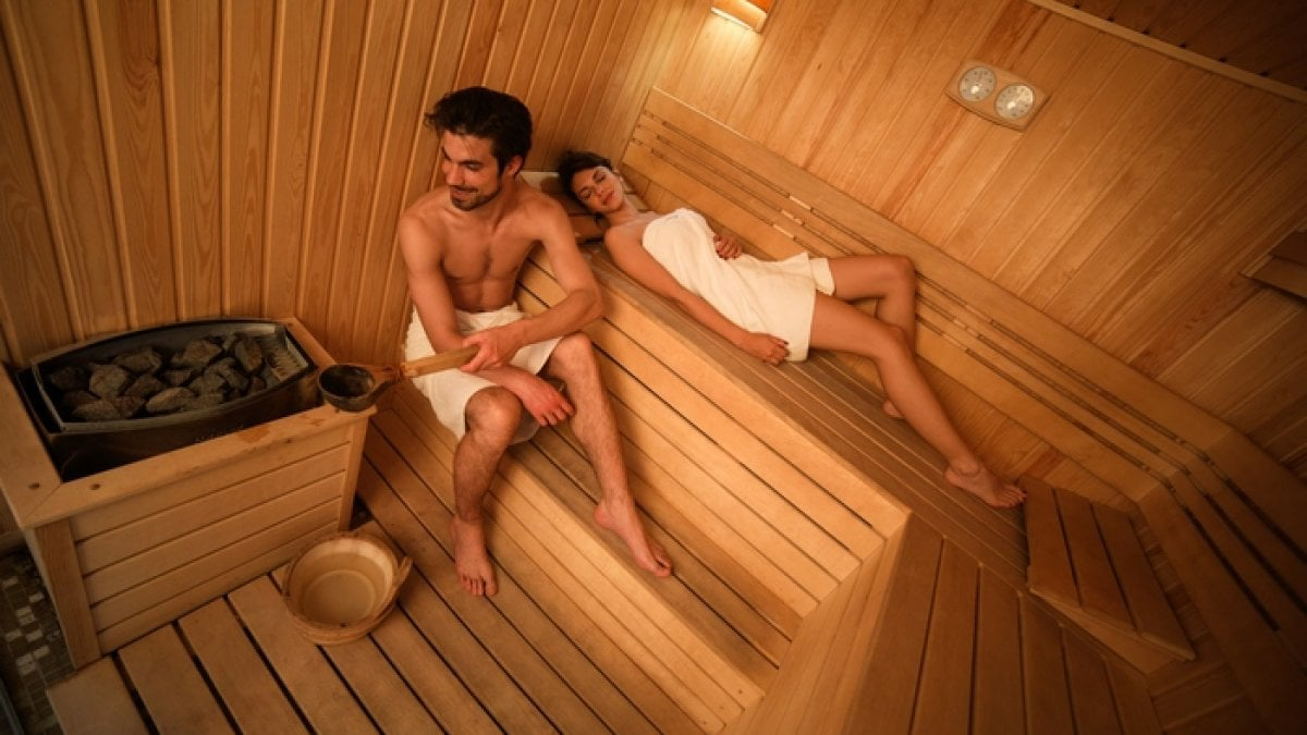 Gravidanza nessun rischio per sauna ed esercizio fisico in acqua