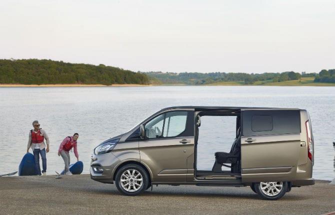 Nuovo Ford Tourneo Custom, viaggiare coccolati