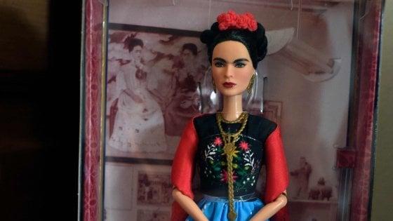 Messico, vietata la vendita della Barbie con le fattezze di Frida Kahlo