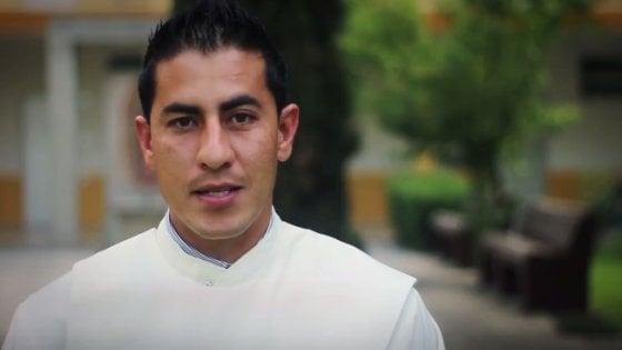 Messico, commando irrompe in chiesa dopo la messa: assassinato prete di 33 anni