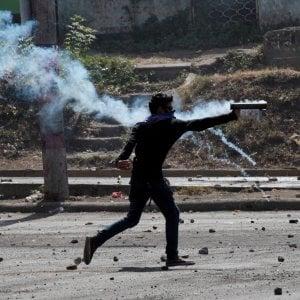 Nicaragua, scontri tra manifestanti e polizia: 25 morti. Ortega cancella la riforma previdenziale