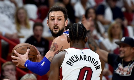 Basket, play off Nba: New Orleans in semifinale a Ovest. Philadelphia espugna Miami e va 3-1