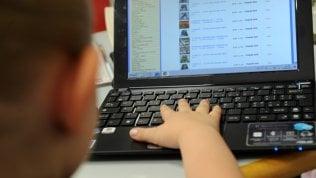 Cyberbullismo, le giovani vittime a rischio autolesionismo