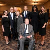 Quattro presidenti (e 4 first lady) in una foto: lo scatto ai funerali di Barbara Bush