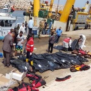 Migranti, un weekend di sbarchi record: 1.400 soccorsi in 48
