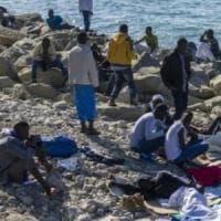 Migranti, per la metà degli italiani sono un problema, non un'opportunità