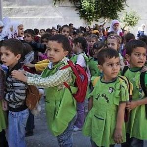 Siria, nonostante la guerra quasi 5 milioni di bambini vanno a scuola, ma altri 2,8 sono senza istruzione