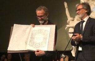 E ora Bottura è ufficialmente un artista: laurea ad honorem all'accademia di Belle Arti