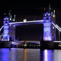Gb, i monumenti di Londra si accendono di blu per la nascita del terzo royal baby