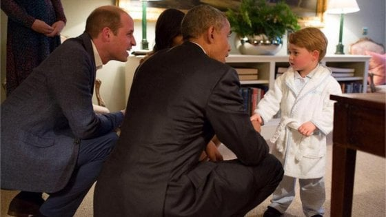 "Il post virale di Michelle Obama: ""Spero di incontrare presto il terzo royal baby per un pigiama party"""