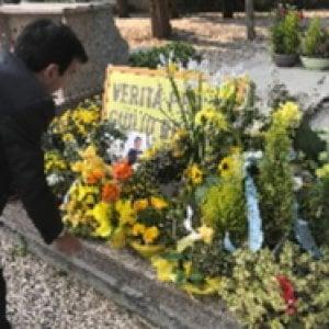 """La mamma di Giulio Regeni: """"Mai foto sulla tomba di mio figlio"""""""