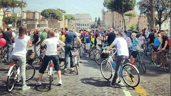 """Mobilità e sicurezza, dopo sei anni a Roma è ancora Bicifestazione: """"C'è un bullismo stradale che tutti ignorano"""""""
