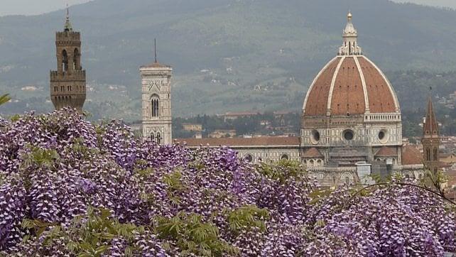 Ponti: in viaggio un italiano su tre
