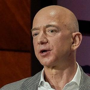 Jeff Bezos riceve il premio Axel Springer