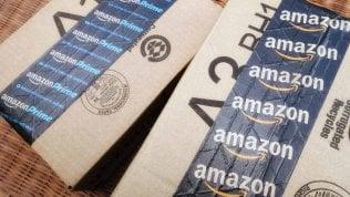 Amazon, nuova sfida: ora le merce arriva nel bagagliaio dell'auto