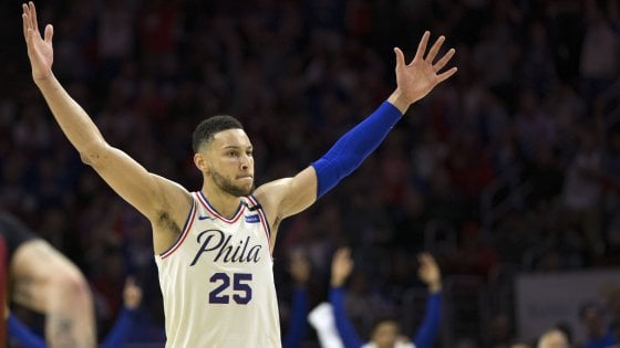 Basket, playoff Nba: i Sixers di Belinelli in semifinale, i Warriors eliminano gli Spurs