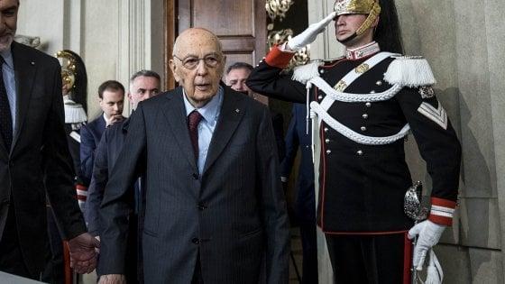 """Napolitano, insulti e odio sui social e sul blog 5 Stelle. Calenda: """"Mi fanno orrore"""""""