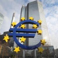 """Bce, tassi invariati. Draghi: """"Crescita più moderata"""""""