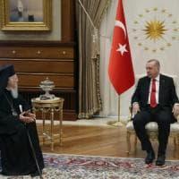 """Turchia, condannati i giornalisti di Cumhuriyet: """"Complici del terrorismo"""""""