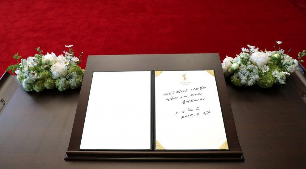 Coree il messaggio lasciato da kim jong un sul libro for Planimetrie della casa degli ospiti