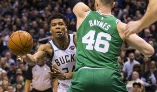 Basket, playoff Nba: Milwaukee porta Boston alla 'bella'