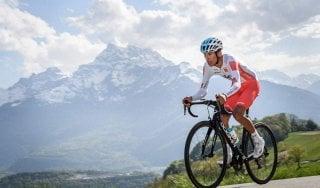Ciclismo, Giro di Romandia: Bernal vince la crono, Roglic resta leader