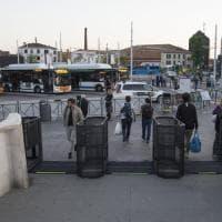 Venezia inaugura i tornelli: varchi pronti a chiudersi in caso di flusso turistico eccezionale