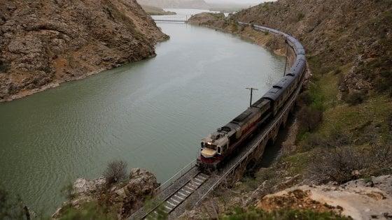Turchia. Eastern Express: storia di un treno rinato grazie ai social