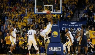 Basket, play off Nba: Golden State travolge New Orleans. Boston in semifinale a Est