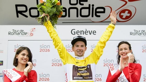 Ciclismo, Giro di Romandia: vince Roglic, ultima tappa a Ackermann