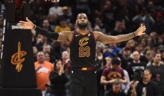Basket, Nba: Cleveland elimina Indiana, Harden trascina Houston
