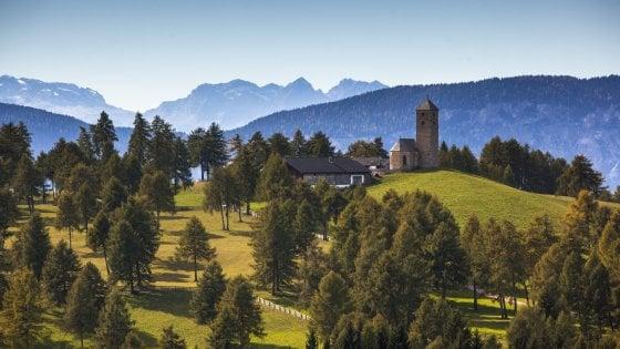 Tra città, montagne e foreste. Scoprire le Dolomiti e la loro storia a un passo da Bolzano