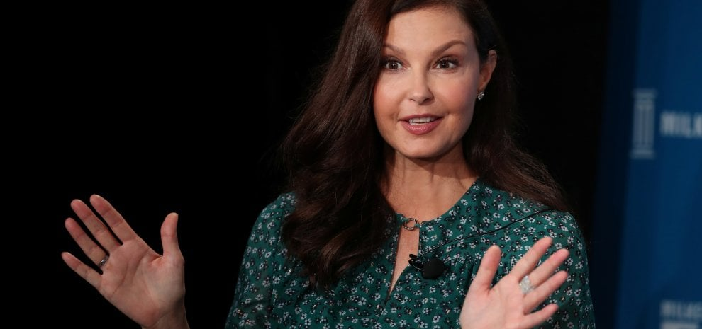 "Ashley Judd denuncia Weinstein per danni alla carriera: ""Il risarcimento a Time's Up"""