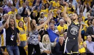Basket, playoff Nba: Golden State sul 2-0, Cleveland sbanca Toronto