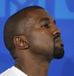 "Nuova bufera su Kanye West: ""La schiavitù è stata una scelta"""