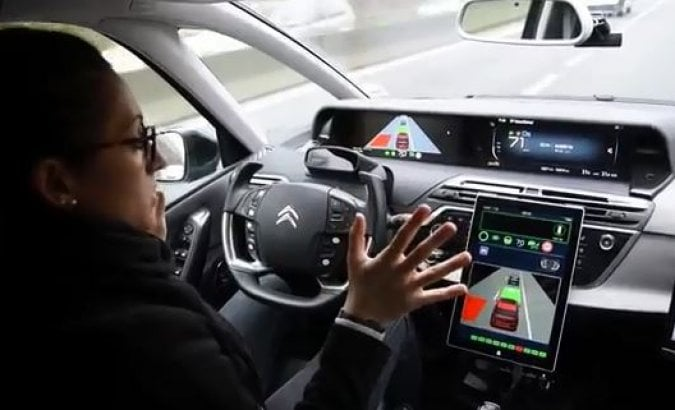 Gruppo Psa, la guida autonoma s'avvicina