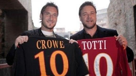 Roma-Liverpool, Klopp arruola Russell Crowe. La risposta del Gladiatore è epica