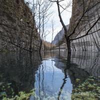 Il lago creato dal terremoto: il nuovo specchio d'acqua del Parco dei Monti Sibillini