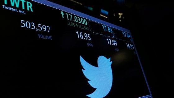 """Falla interna a Twitter: """"Cambiate password"""". A rischio account di oltre 330 milioni di utenti"""