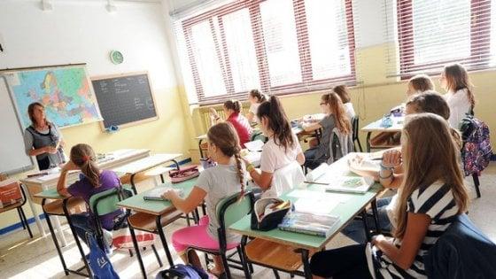 Scuola, insegnanti di religione agli esami di terza media: è protesta