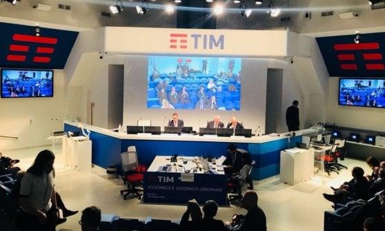 Tim, oggi cda a Roma