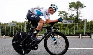 Ciclismo, Giro: paura per Froome, cade durante la ricognizione