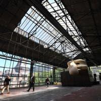 Kanal Pompidou Bruxelles: il museo nell'ex fabbrica automobili si presenta 3 anni prima del via