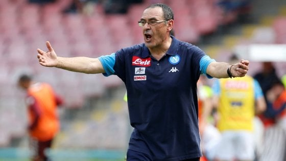 "Napoli, Sarri: ""De Laurentiis non contento? Ho la coscienza a posto"""